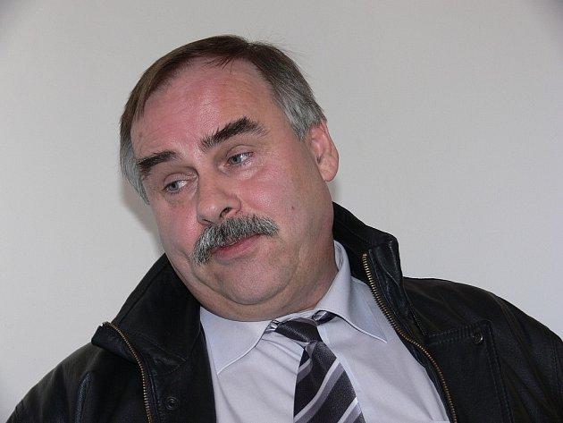 Kvůli razítku může Jaromír Kubis (53 let) skončit nejen s právnickou praxí, ale v krajním případě i za mřížemi.