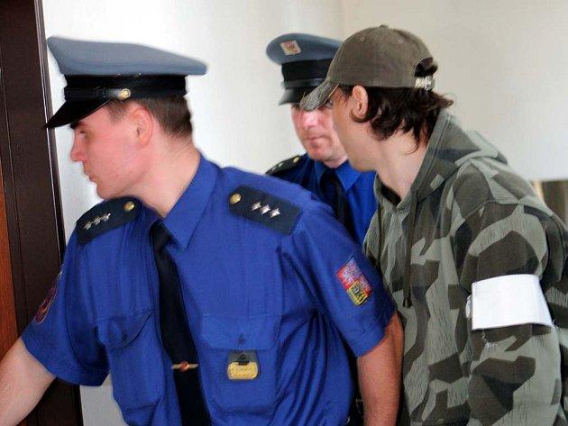 K deseti a půl roku stráví za mřížemi jedenatřicetiletý Vladimír Skala z Ostravy, který v červnu loňského roku málem ubil svou bývalou družku.