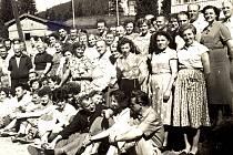 Padesátá léta minulého století rozporuplná doba nesvobody, strachu, obav a vykonstruovaných politických procesů, ale také radostného života a oddechu pracujícího lidu, budovatelů socialismu.