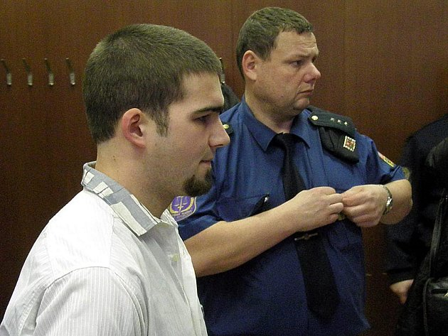 Martina Kunce odsoudil Krajský soud v Ostravě za vraždu otce k šestnácti letům vězení.