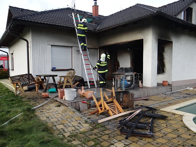 Požár rodinného domu v Tísku.
