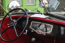 Podzimní setkání milovníků amerických automobilů, pořádané Klubem US cars, se uskutečnilo od pátku 12. do neděle 14. září v autokempu v Jerlochovicích u Fulneku.