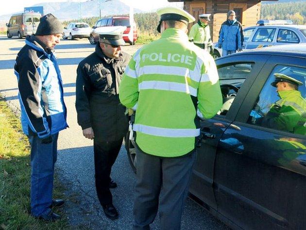 Policisté neudělili během pondělní rozsáhlé kontroly ani jednu pokutu.