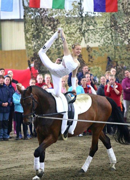 Skupina frenštátského Slovanu si vdomácím prostředí vyjela zlato a juniorka Tereza Czyžová pak přidala rovněž jasné prvenství.
