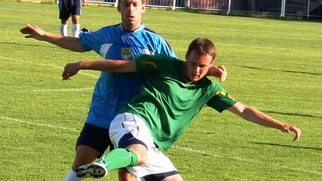 Fotbalisté Mutěnic si i v příští sezoně zahrají třetí ligu. Rozhodlo o tom poslední kolo, ve kterém vinaři přehráli na hřišti v Šardicích Uničov 2:0.