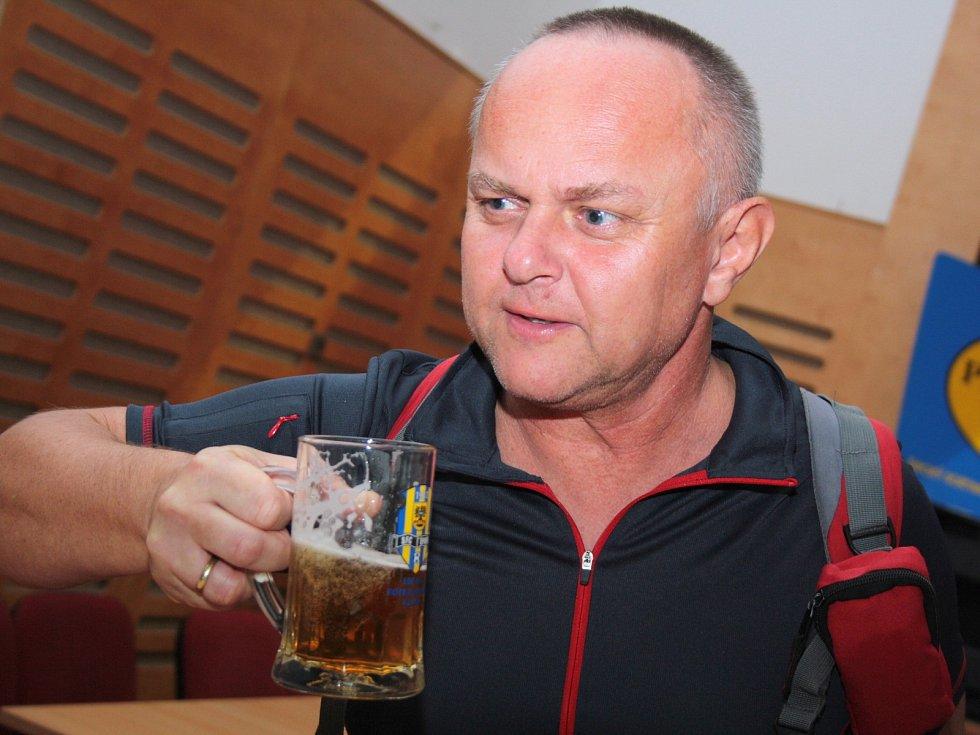Dvaasedmdesát různých druhů piv ochutnali lidé na prvním ročníku Horňáckého pivokoštu v Lipově.