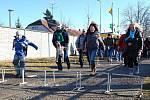 Silvestrohry v Ratíškovicích - Úsek pro sportovní úkoly byl krátký. Účastníky vysílil už jen pochod na místo..