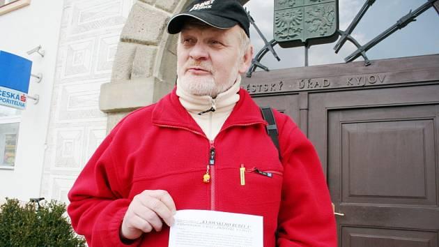 Svatopluk Krajtl před kyjovskou radnicí
