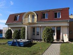 Bývalá mateřská škola v Miloticích nabídne pětici sociálních bytů.