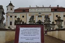 Milotický zámek i se zahradou budou zavřené až do odvolání.