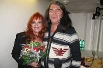 Zpěvačka Marcela Holanová vystoupí 10. května v hodonínském kulturním domě. Přijede s novou kapelou.