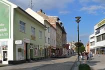 Z Dolních Valů je nyní pěší zóna.