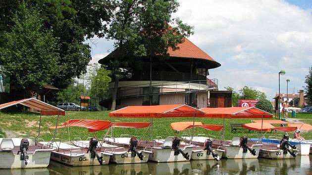 Baťův kanál ve Veselí nad Moravou.