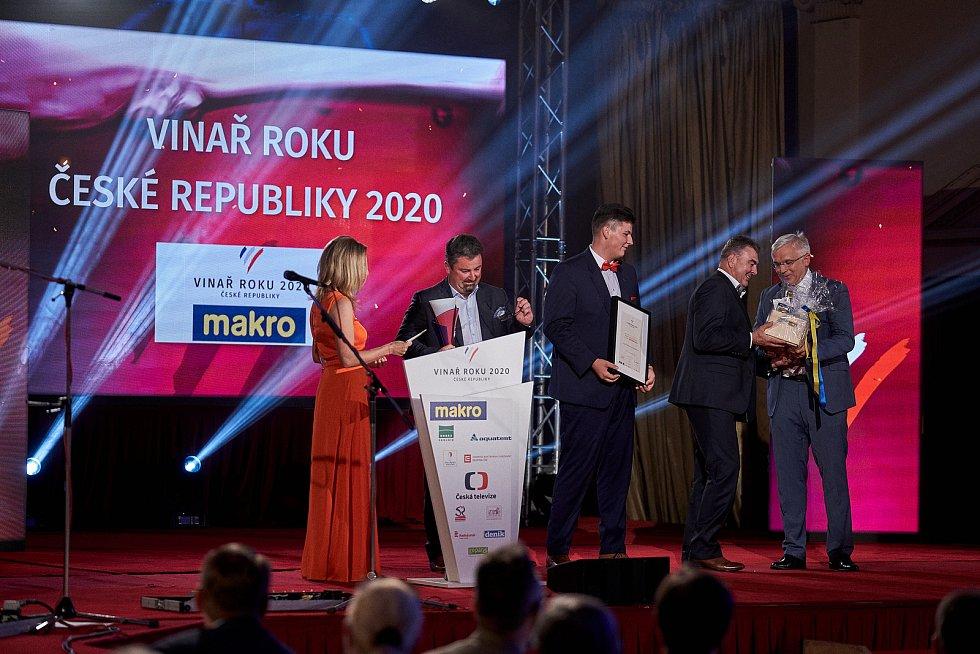 Vinařem roku 2020 je Milan Sůkal z Nového Poddvorova na Hodonínsku.