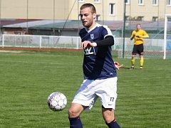 Obránce Bohumil Vardan (na snímku) přispěl k pohodové  výhře fotbalistů Veselí nad Moravou nad Dražovicemi 5:0.