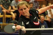 Stolní tenistka Lenka Harabaszová porazila ve druhém finále Maďarku Vivien Ellöovou i Karin Adámkovou.