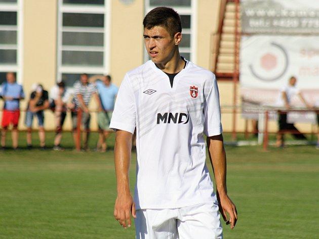 Mladý ukrajinský útočník Pavel Dovhanyuk (na snímku) se podílel na výhře fotbalistů Hodonína v Kroměříži jedním gólem.
