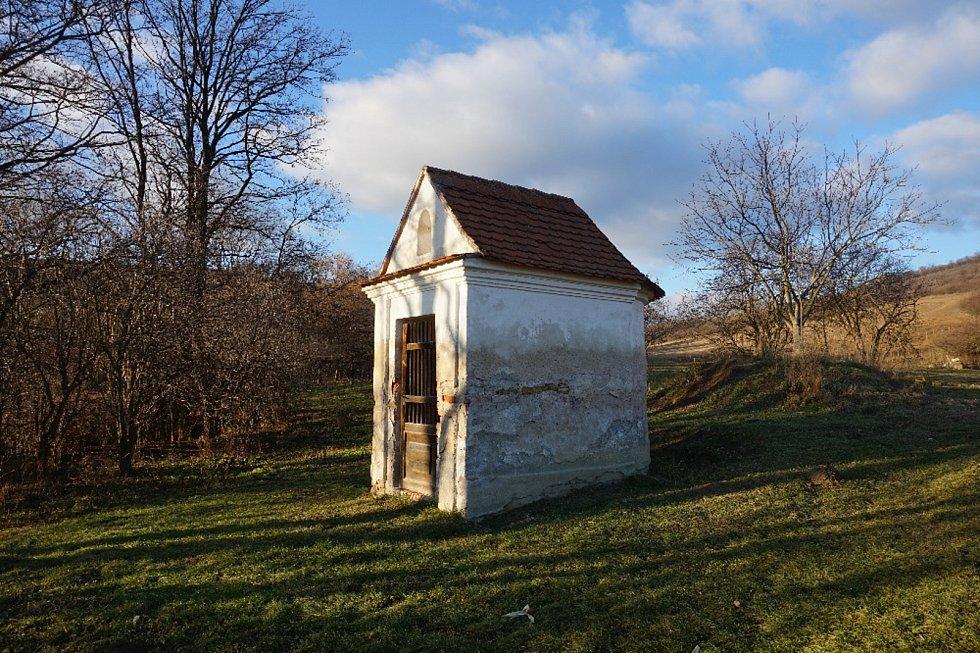 Kaplička v Kurdějově na Břeclavsku.