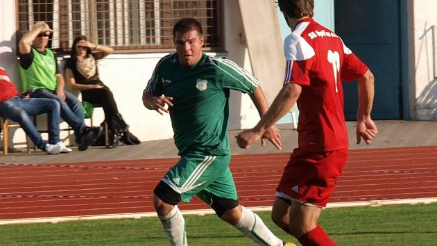 Za Hodonín v sobotu nastoupil i Dušan Sviták (vlevo). Útočník Dubňan zvyšoval proti Bystřici nad Pernštejnem na 2:0.