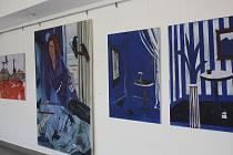Pražská výtvarnice Simona Blahutová vystavuje své obrazy v hodonínské Galerii Vednevnoci.