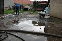 Pondělní přívalový déšť v Rohatci a u Rohatce.