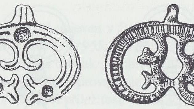 Bronzové závěsky s ptačími hlavičkami z Velkomoravských lokalit na Hodonínsku.