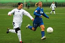 Fotbalistky Slovácka (v bílém) - ilustrační foto.