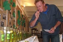 Košt oharků ve vacenovickém muzeu.