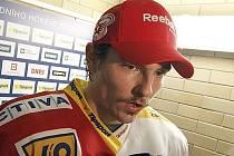 Dvaadvacetiletý obránce Slavie Praha Michal Kempný dal poprvé v kariéře v české nejvyšší hokejové soutěži dvě branky v jednom utkání. Porážce ve Zlíně přesto nezabránil.