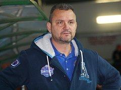Trenér Stanislav Beťko (na snímku) po čtyřech letech dovedl hodonínské hokejisty do semifinále play-off druhé ligy.
