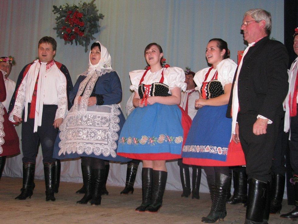 Večer Fanoša Mikuleckého s křtem CD a vernisáží obrazů Pavla Vavryse.