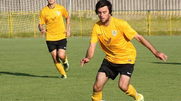 Mutěničtí fotbalisté zvítězili i v Novosedlech a po čtyřech zápasech jsou bez ztráty bodu v čele krajského přeboru.