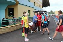 Kvůli pobytu v nemocnici přivezla Aloise Vrbovského na stadion čestná sanitka.
