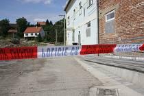 Policisté vyšetřovali násilný útok v Šardicích.