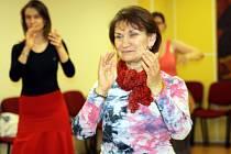 Nadace Chamartín ve Vracově uspořádala už podruhé dvoudenní kurz španělských tanců. Tangos a sevillanas se přišli naučit i muži.