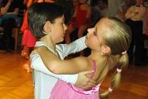 Hodonínský taneční pár Filip Schwoiser a Klára Megová.