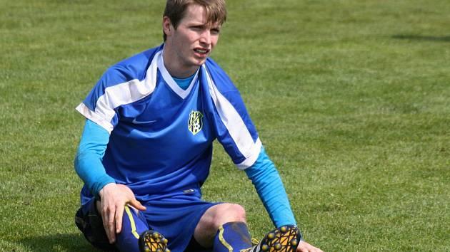 Fotbalisté Ratíškovic v sobotním zápase neuspěli proti Rohatci. Body nezachránil ani záložník Dominik Jankůj (na snímku). Slavoj v derby zvítězil 2:0.