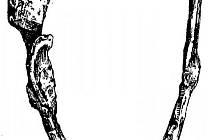 Ostruha zabalená do textilie z hrobu 56 u mikulčické dvouapsidové rotundy.