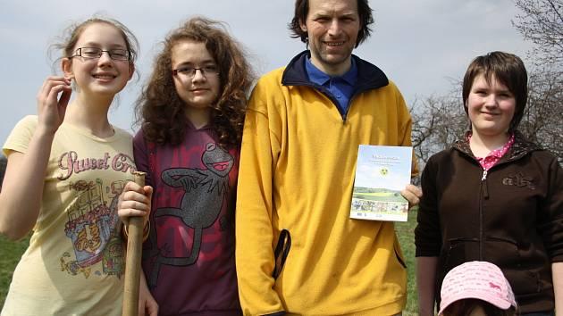 Místní akční skupina Strážnicko vydala publikaci Tradiční ovoce moravsko-slovenského pomezí jihu Bílých Karpat.