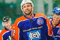 Hodonínští hokejisté zdolali v přípravě na novou druholigovou sezonu slovenskou Senici 5:3, když v polovině pátečního zápasu prohrávali 0:3.