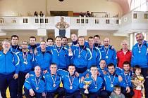 Sokol Hodonín skončil na mistrovství České republiky družstev seniorů v zápase řecko-římském na druhém místě. Jde o nejlepší výsledek v dosavadní osmaosmdesát let dlouhé historii hodonínského zápasnického oddílu.