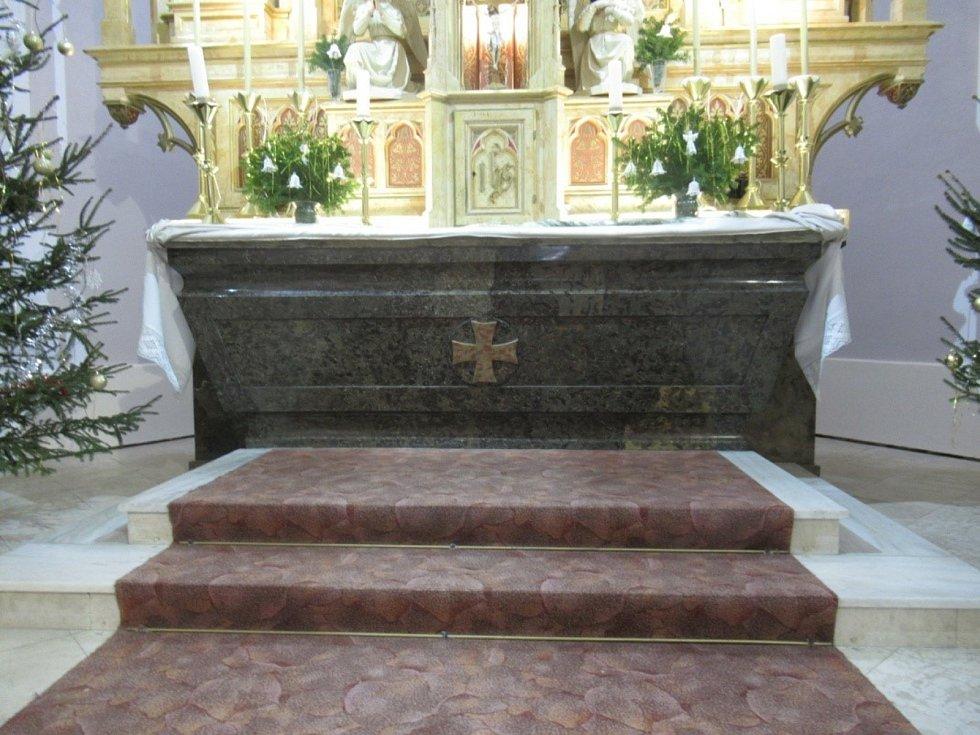 Kostel Narození Panny Marie v Lipovci na Blanensku.