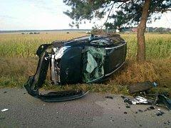 Čelní srážka dvou osobních aut mezi Mutěnicemi a Hodonínem si vyžádala tři zraněné