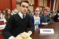 Úspěšné trio studentů strážnického gymnázia. Mladí historici zvítězili v mezinárodní soutěži v Chebu.