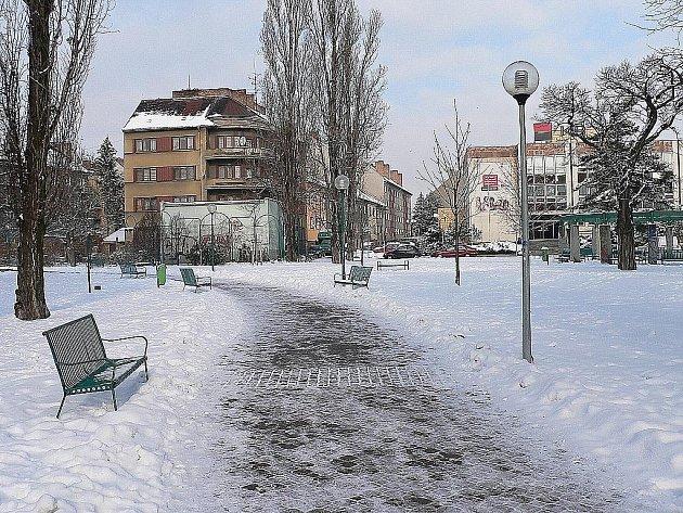 Prostor u zimního stadionu dnes.