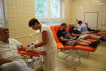 Rekordman v darování krve Zdeněk Režňák daruje krev pravidelně už přes čtyřicet let.