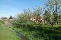 Pozemky bývalého Okresního středisko přípravy zemědělských investic v Hroznové Lhotě přešly do vlastnictví Úřadu pro zastupování státu ve věcech majetkových.