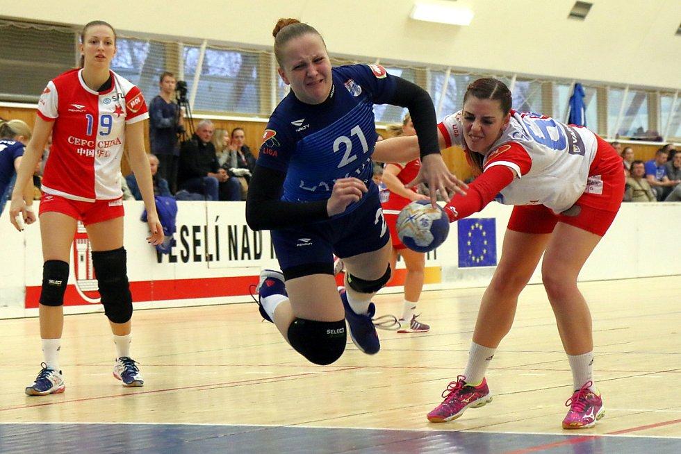 Veselské házenkářky dokázaly na domácí palubovce remizovat se Slavií Praha. Šustková byla hvězdou utkání.