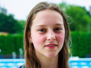 Mladá rohatecká plavkyně Lucie Zubalíková (na snímku) v soušasnosti sbírá medaile a úspěchy v barvách brněnské Komety.