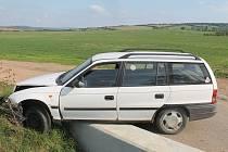 Až tři roky vězení hrozí řidiči, který ve středu boural ve Tvarožné Lhotě a poté i o pár kilometrů dál.
